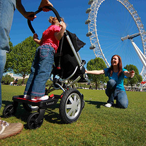 BuggyBoard Maxi kids and parents at London eye